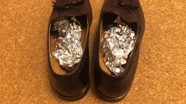 革靴のニオイ取りアルミホイル