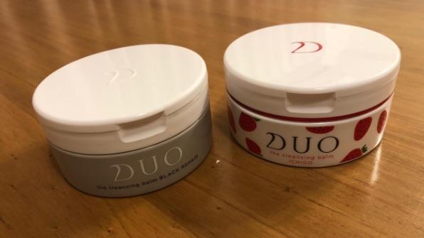DUOブラックリペアとイチゴの比較
